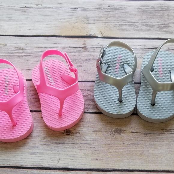 Old Navy Baby Girl Flip Flops 3 Mo